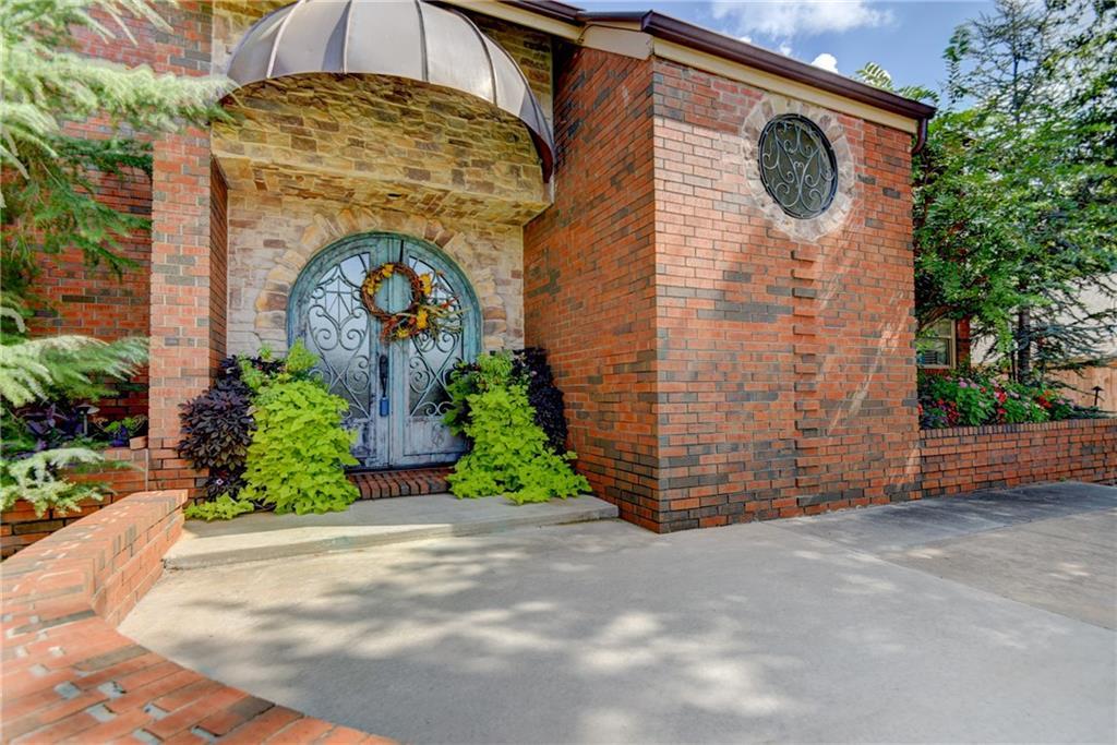 3332 Stonybrook Court, Lake Hefner, Oklahoma