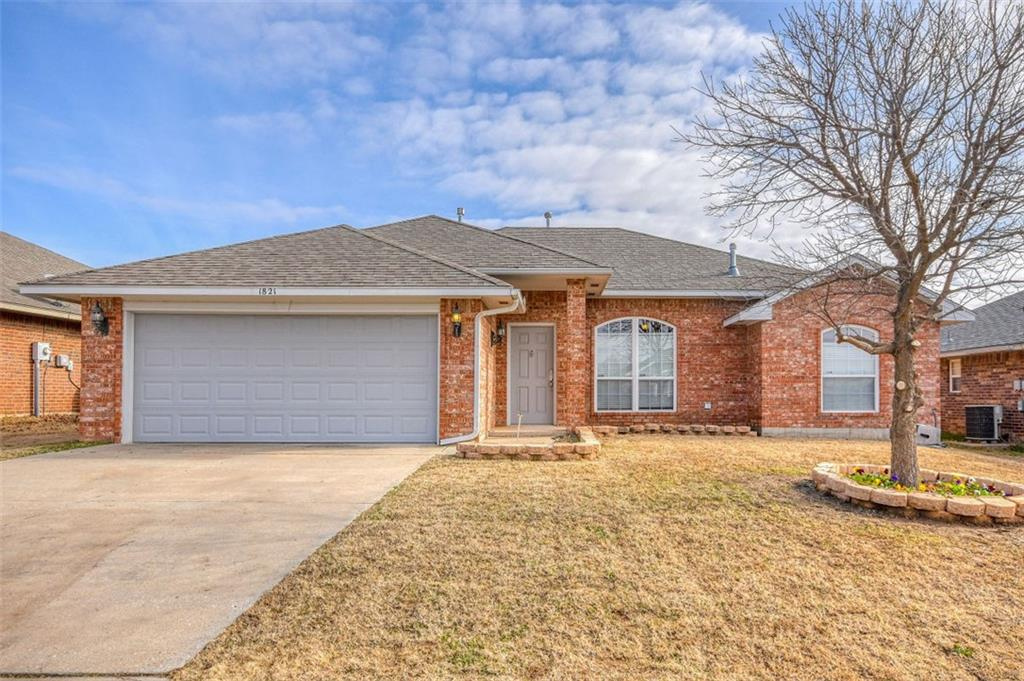 1821 Creekside Dr., Norman in Cleveland County, OK 73071 Home for Sale
