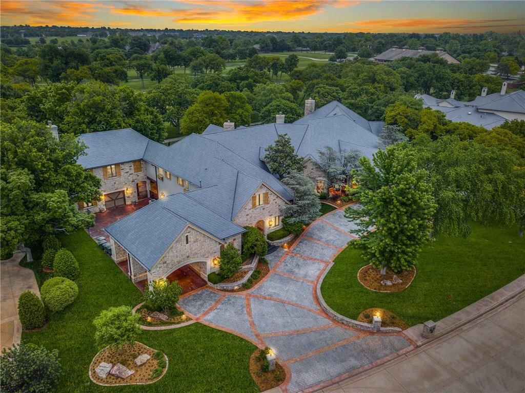 6400 Oak Tree Drive, Edmond, Oklahoma