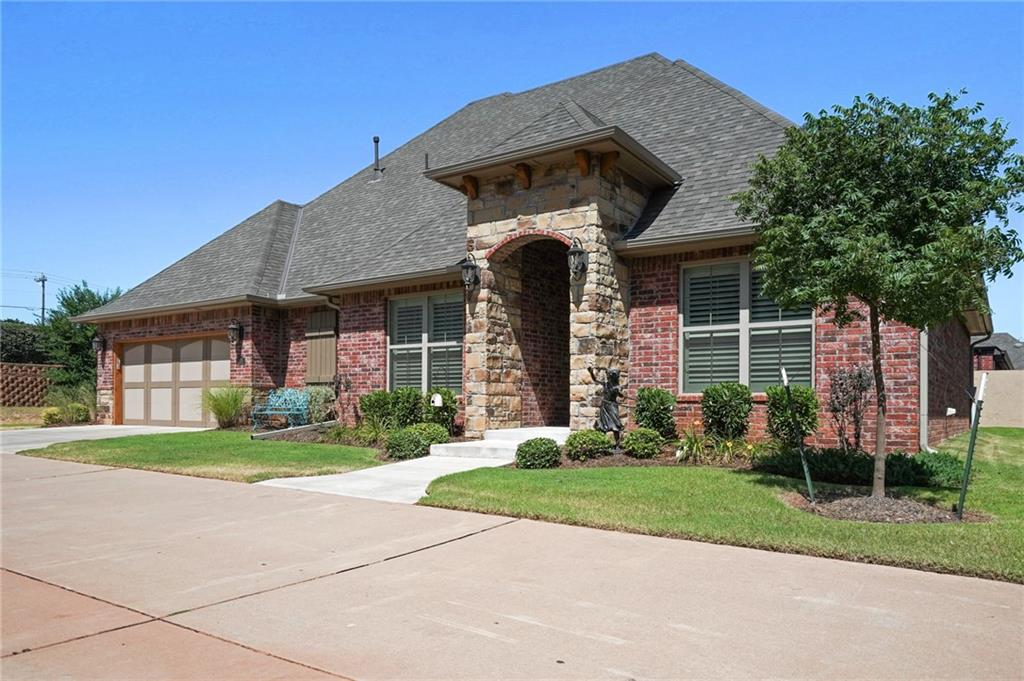 1005 Villas Creek Drive, Edmond, Oklahoma