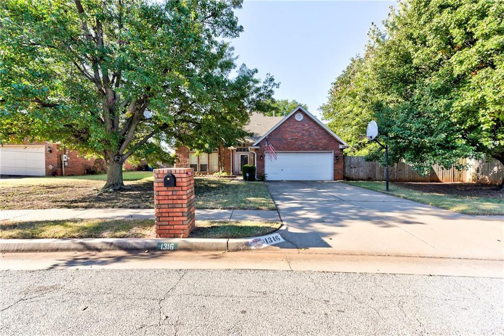 1316 Charlton Road, Edmond, Oklahoma