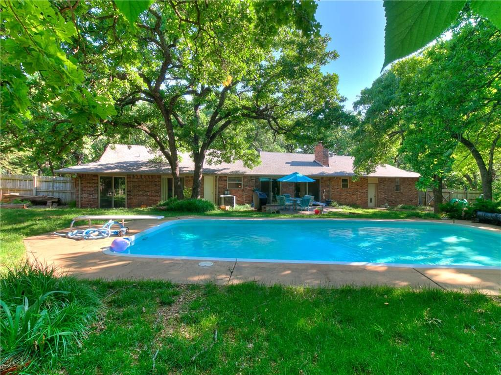 517 E Oak Cliff Drive 73034 - One of Edmond Homes for Sale