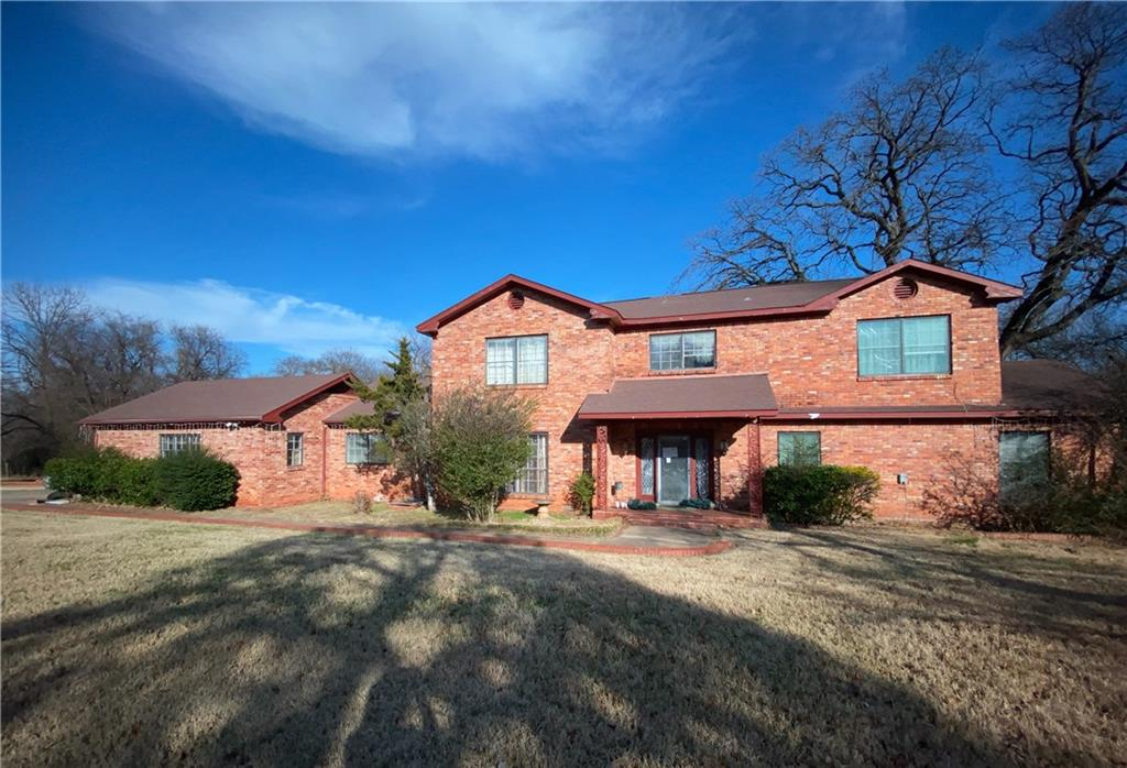 26 Oakwood Drive, one of homes for sale in Oklahoma City Northeast