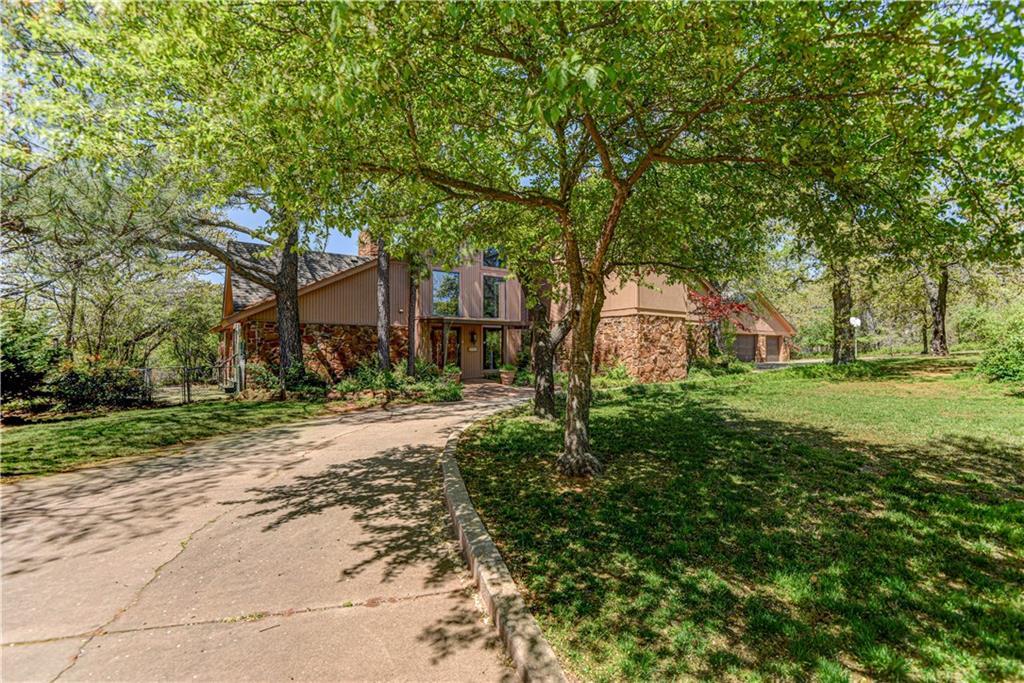 2113 Woodhill Road, Edmond, Oklahoma