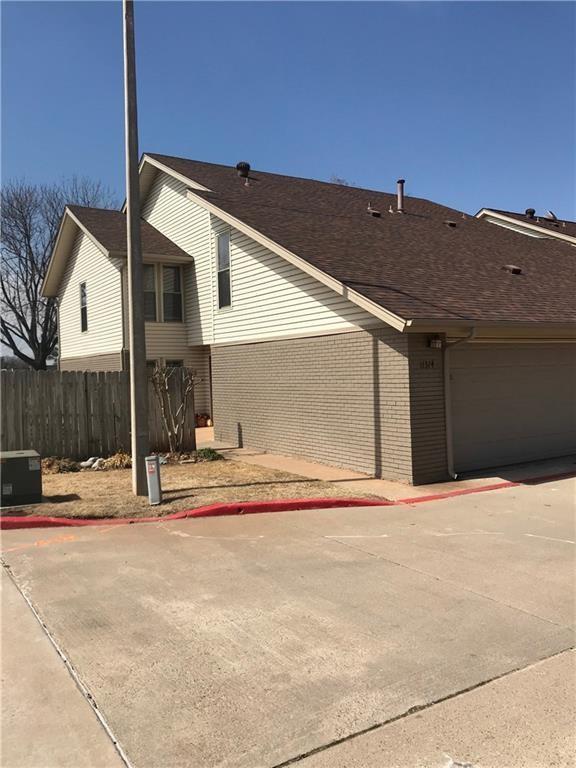11374 Benttree Circle, Lake Hefner, Oklahoma