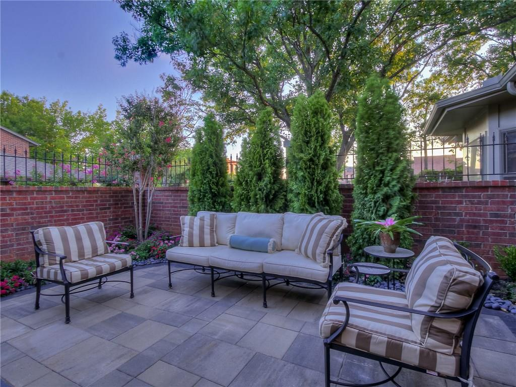 6208 Waterford Boulevard, one of homes for sale in Oklahoma City NW