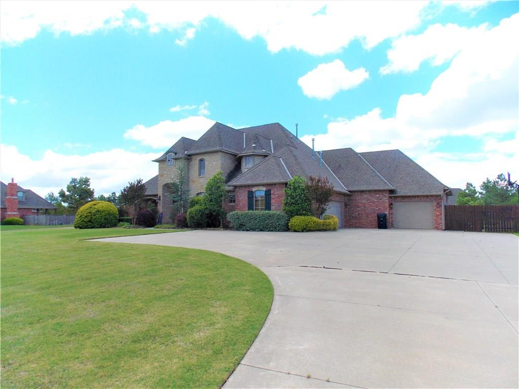 10208 SE 45th Street, one of homes for sale in Oklahoma City Southeast