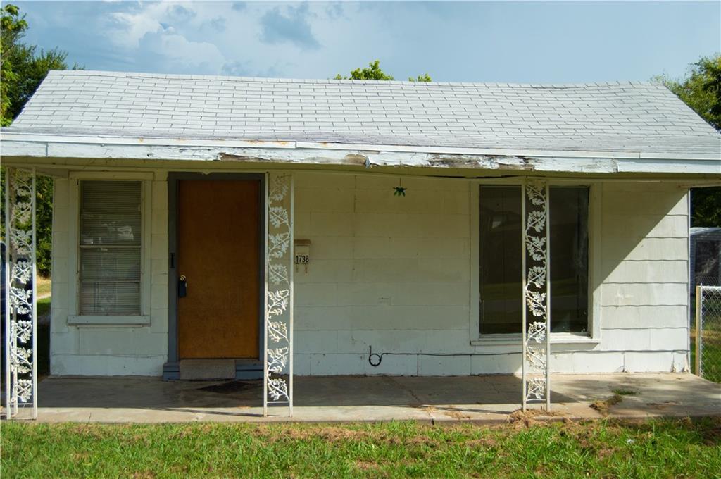 primary photo for 1738 Rhode Island Avenue, Seminole, OK 74868, US