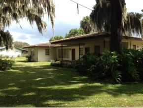 2.3 acres in Ocklawaha, Florida