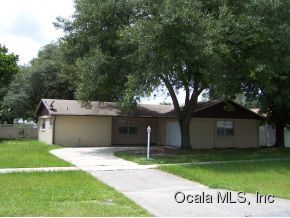 Rental Homes for Rent, ListingId:29365772, location: 418 MARION OAKS DR Ocala 34473