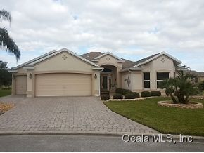 3161 Burbank Ln, The Villages, FL 32162