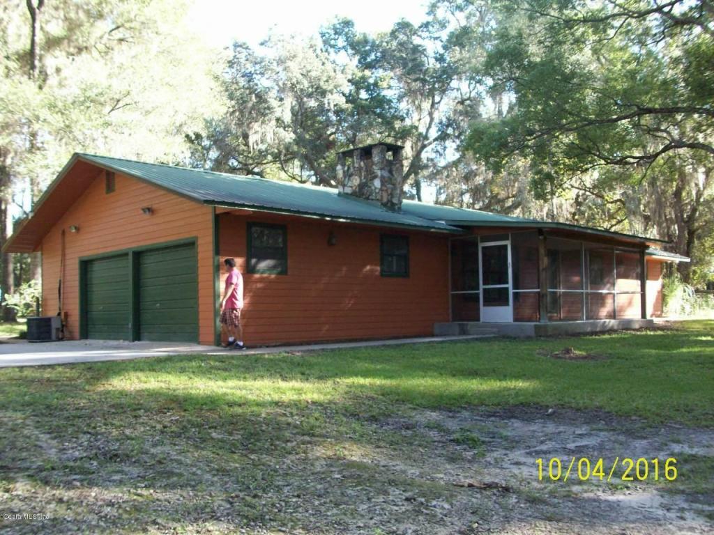 4275 NE 137th St, Anthony, FL 32617