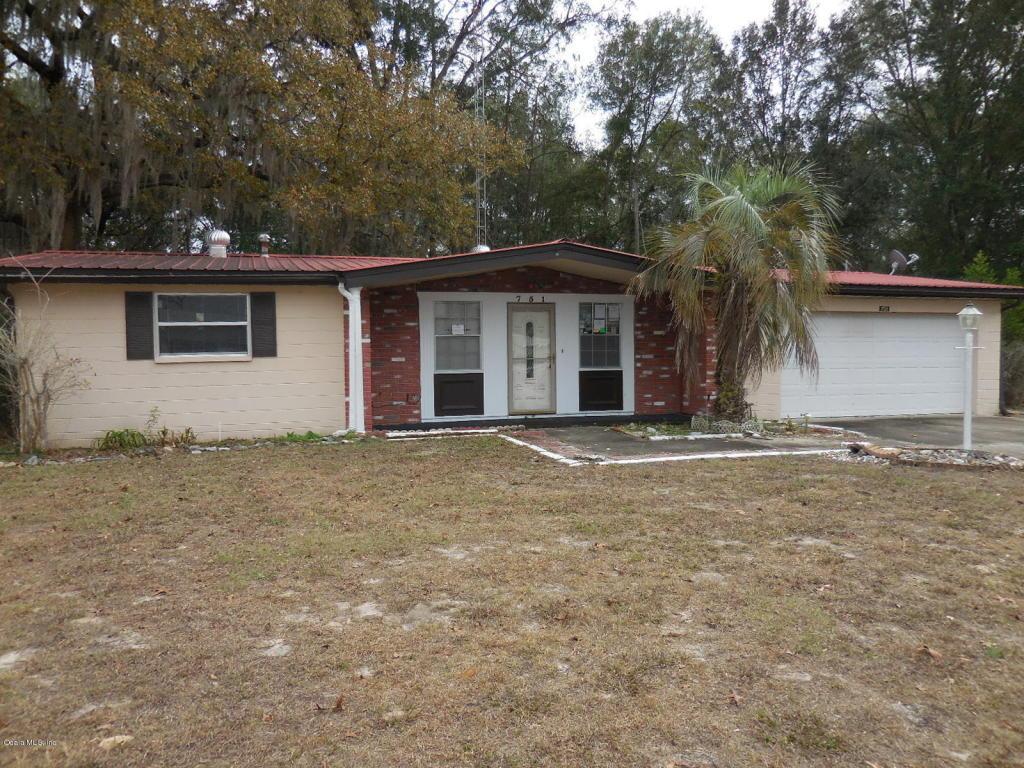751 E Country Club Dr, Williston, FL 32696