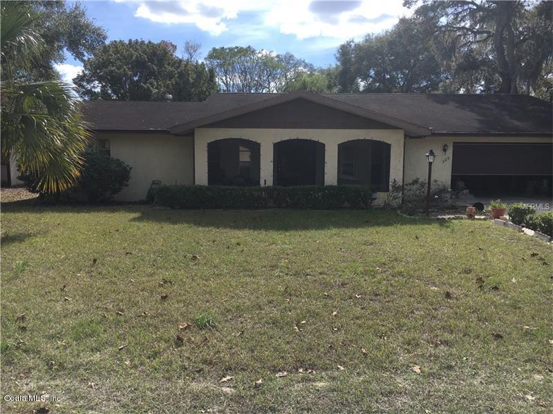 Photo of 305 Oakwood Lane  Fruitland Park  FL