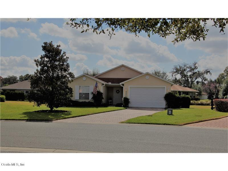 Photo of 5004 Harbour Drive  Oxford  FL