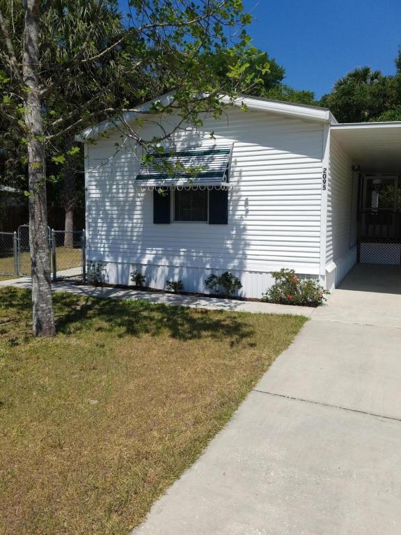 Photo of 2095 NE 115th Terrace  Silver Springs  FL