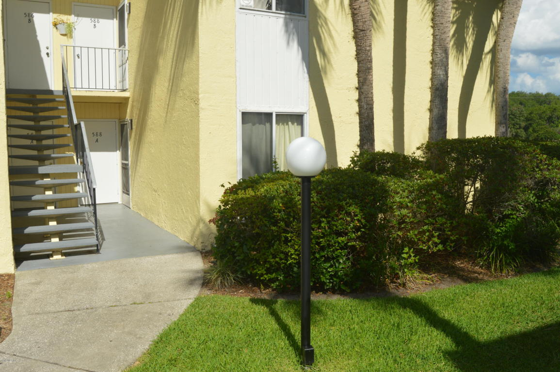 Photo of 588 Fairways Circle  Ocala  FL