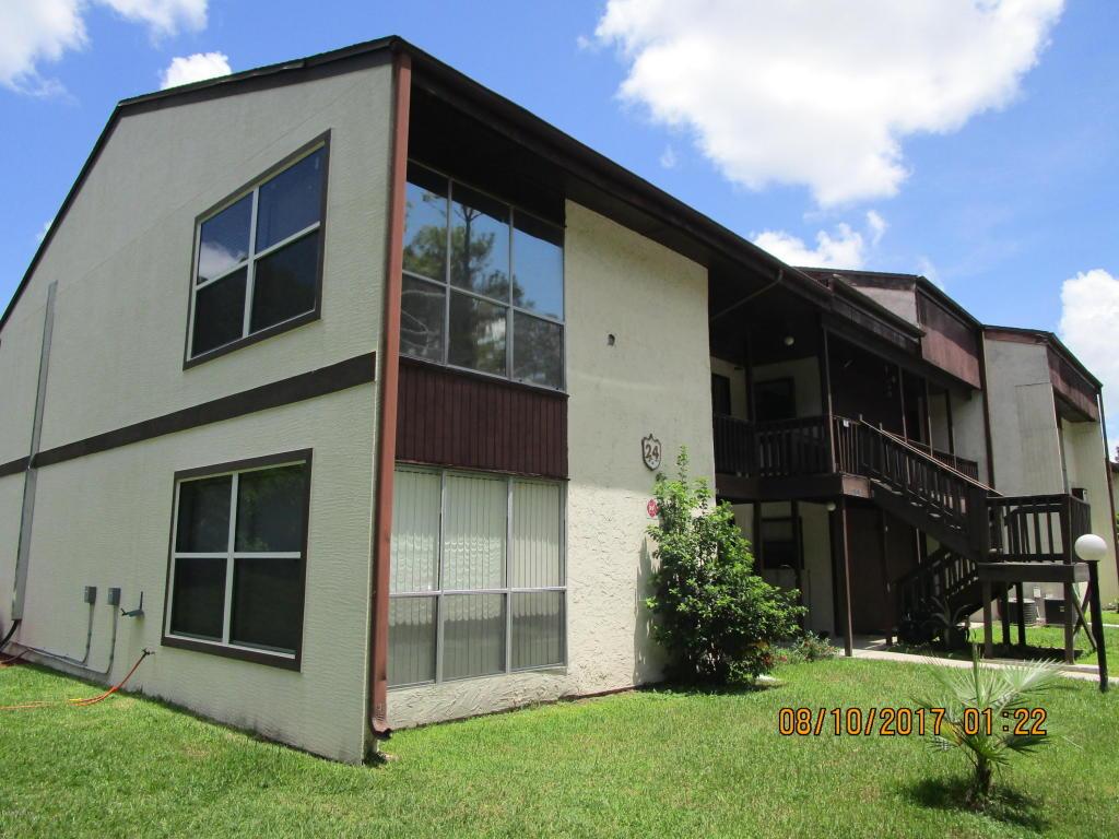 Photo of 24202 Sandalwood Drive  Wildwood  FL