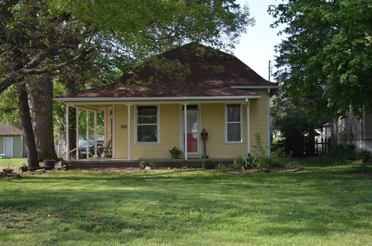 1309 9th Ave E, Oskaloosa, IA 52577