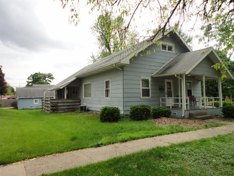 302 4th Ave E, Oskaloosa, IA 52577
