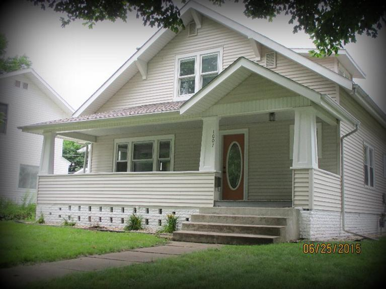 1007 High Ave E, Oskaloosa, IA 52577