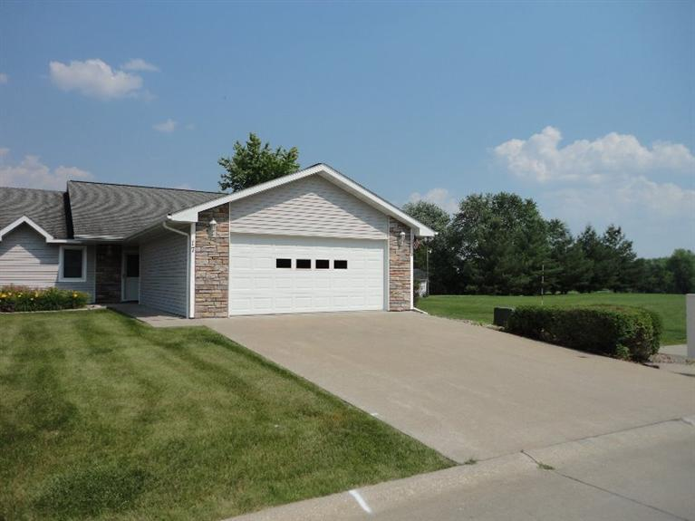 17 Fairway Dr, Oskaloosa, IA 52577