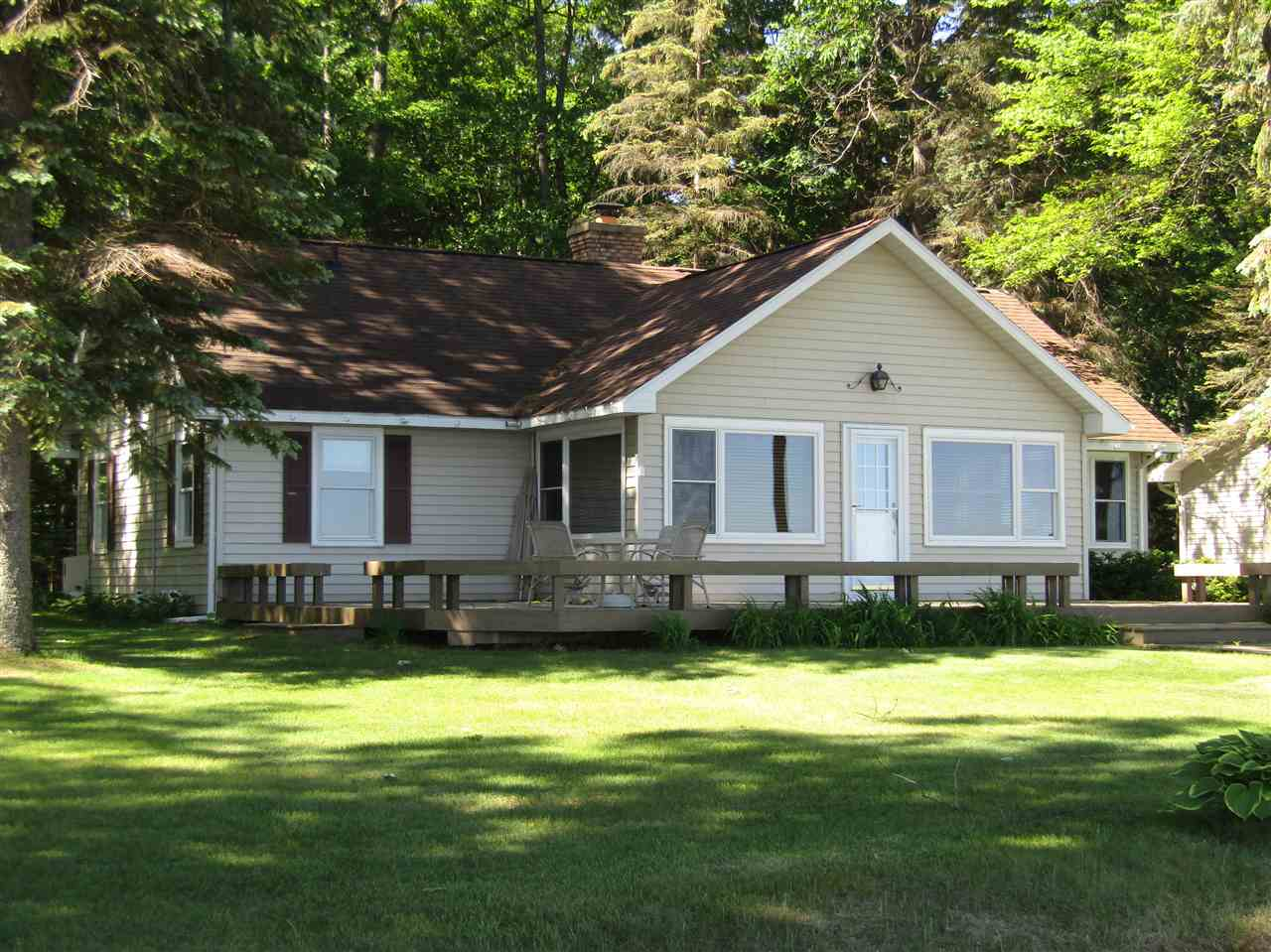 higgins lake divorced singles Browse our higgins lake, mi single-family homes for sale view property photos and listing details of available homes on the market.