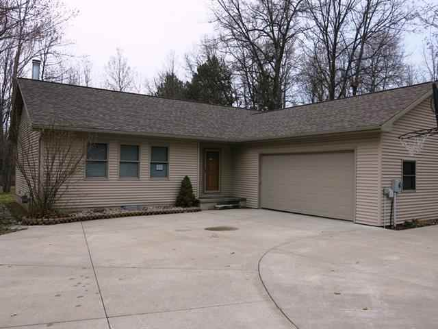 309 Meadow Ln, Prudenville, MI 48651