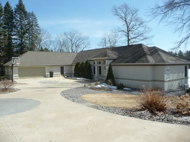 Real Estate for Sale, ListingId: 32557305, Cadillac,MI49601