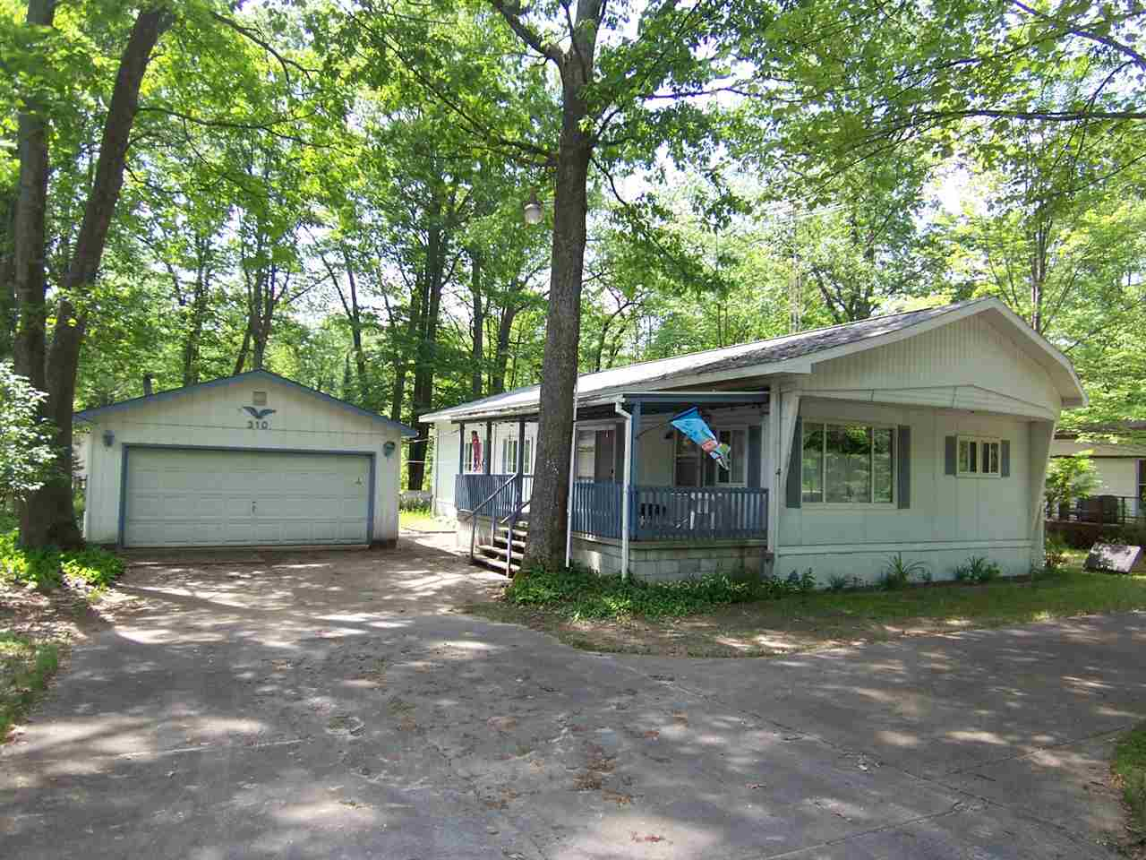 Photo of 310 Maplewood  Higgins Lake  MI