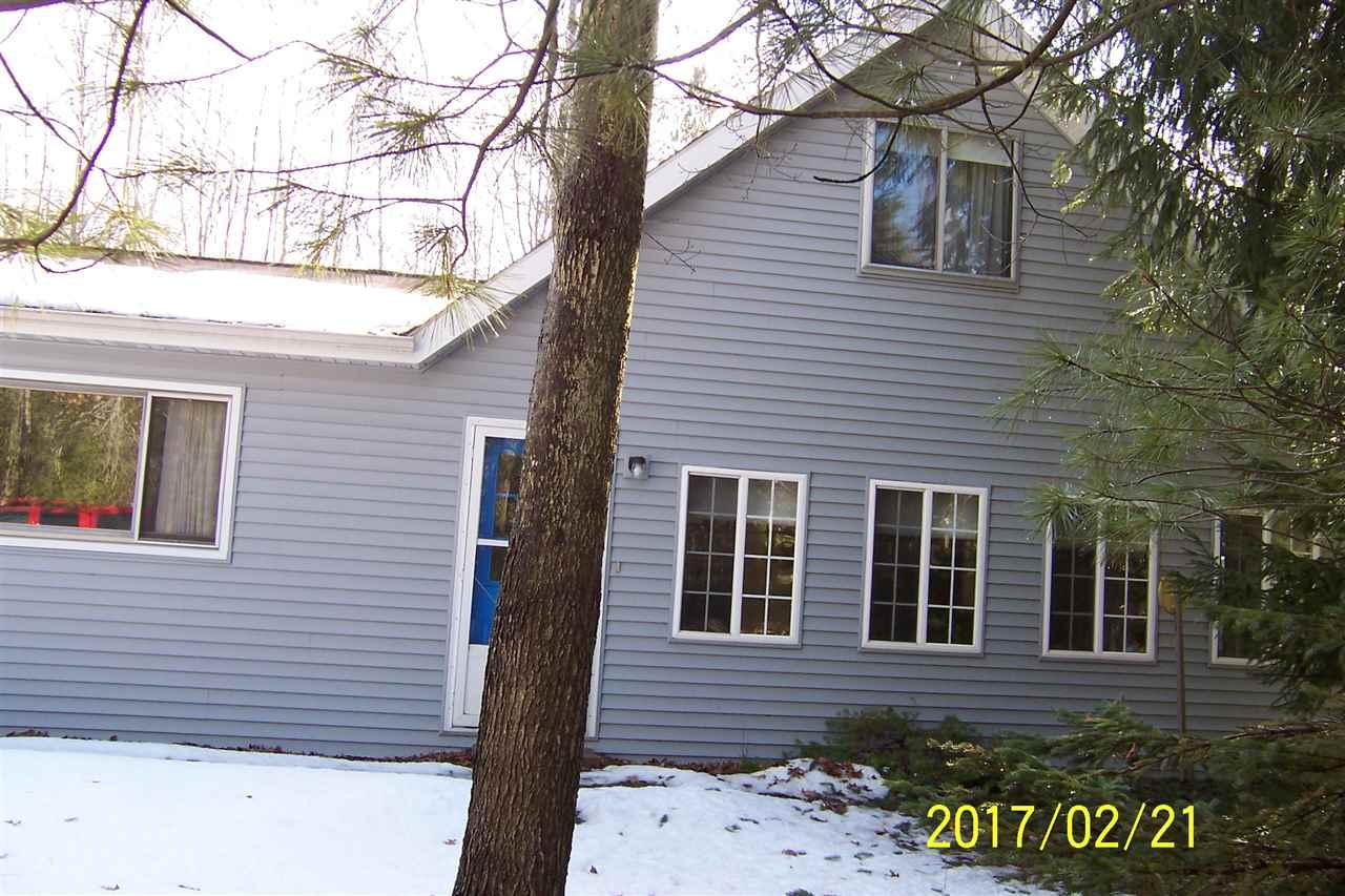 102 Redwine Dr, Houghton Lake, MI 48629