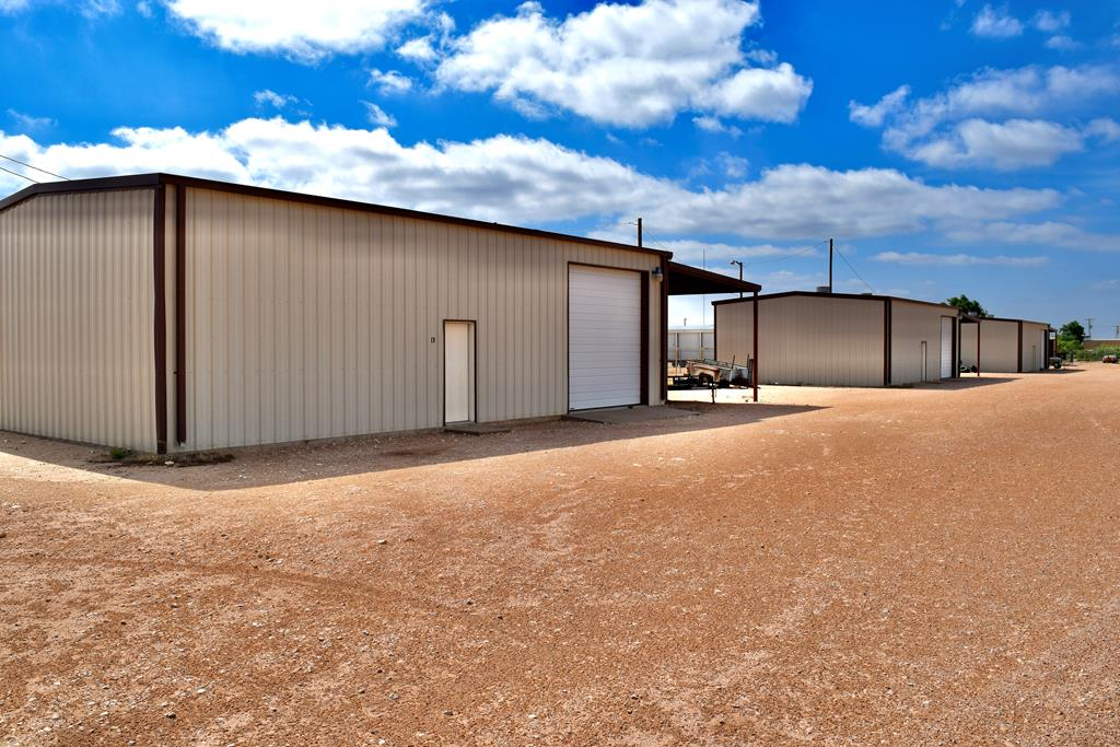 primary photo for 1303 Dayton Rd, Midland, TX 79706, US