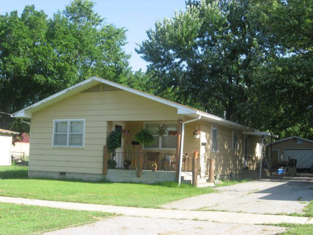 Photo of 412 W Prairie  Girard  KS