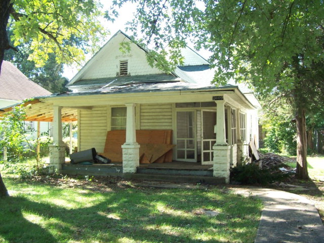 Photo of 1609 N Locust  Pittsburg  KS