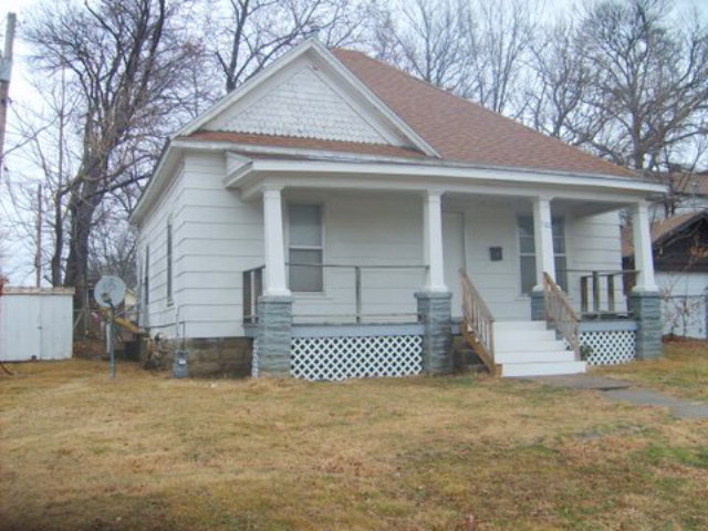 Photo of 702 W 6th  Pittsburg  KS