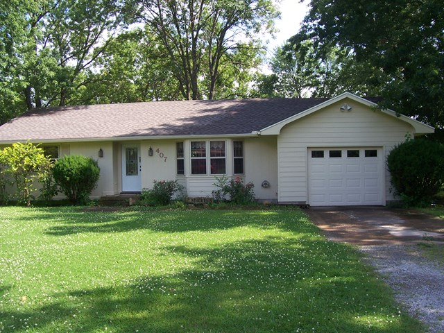 Photo of 407 W Cedar St  Girard  KS