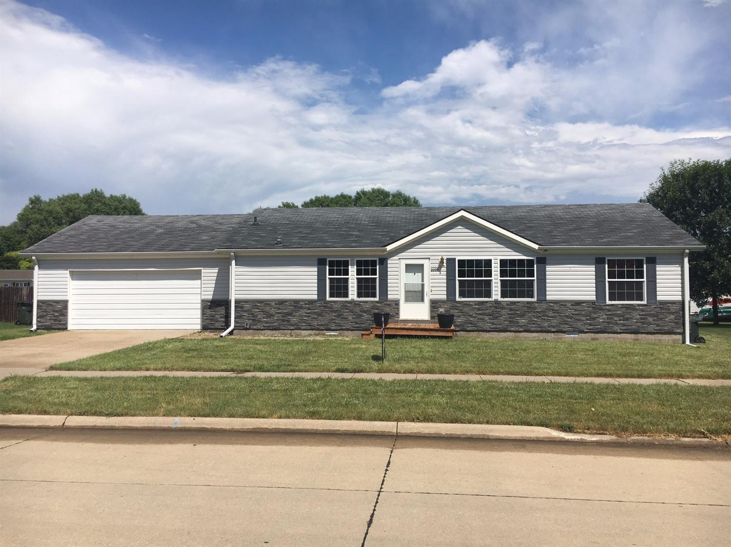 2000 Hanford St, Sioux City, IA 51109