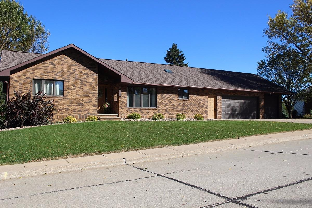 Photo of 631 North Valley Dr  LeMars  IA