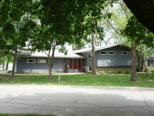 Real Estate for Sale, ListingId: 26426923, Grinnell, IA  50112