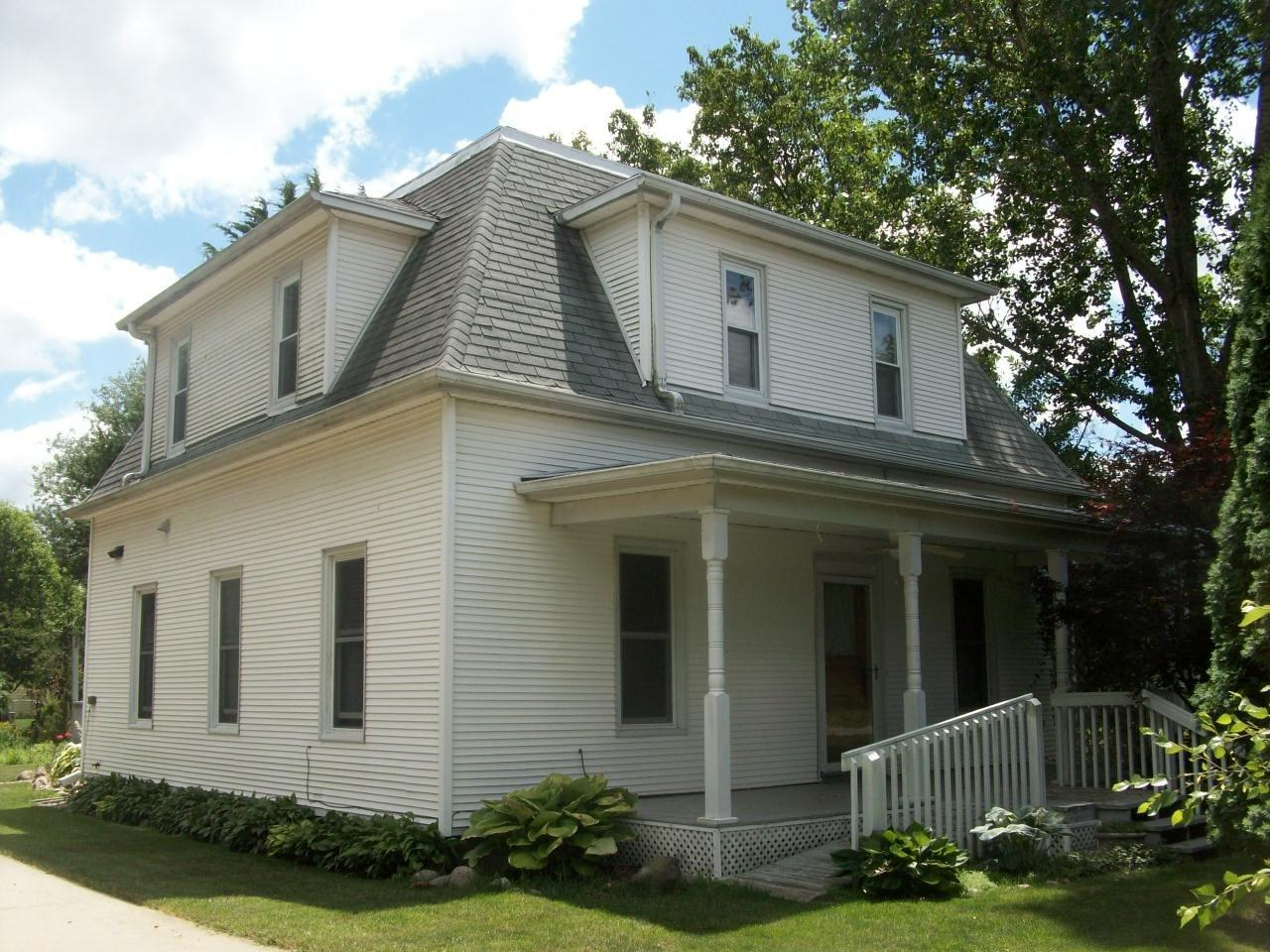 Photo of 9074 Center Street  Grinnell  IA