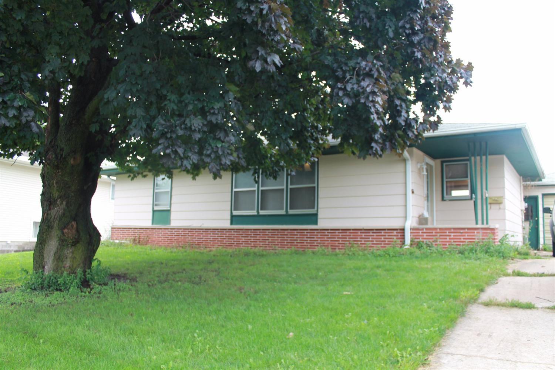 Photo of 1404 North 9th Avenue Place East  Newton  IA