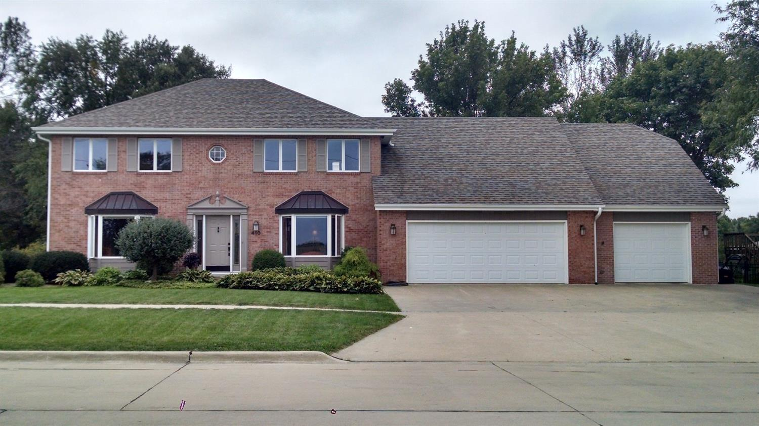 410 16th Ave, Grinnell, IA 50112