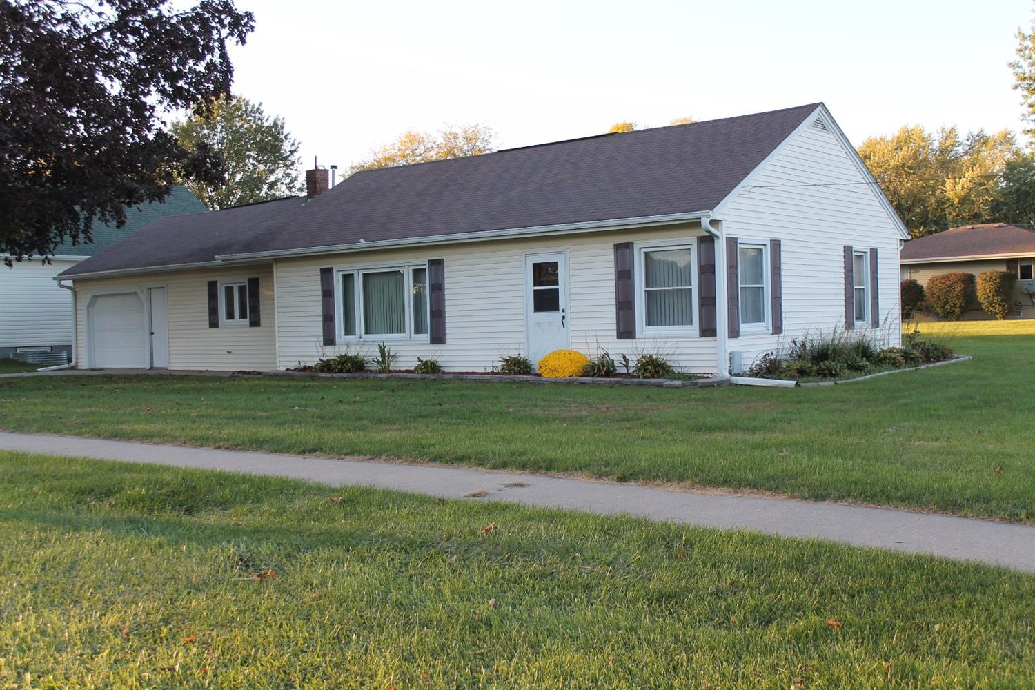 1849 7th Ave, Grinnell, IA 50112