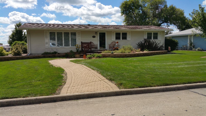 210 E Oak St, New Sharon, IA 50207