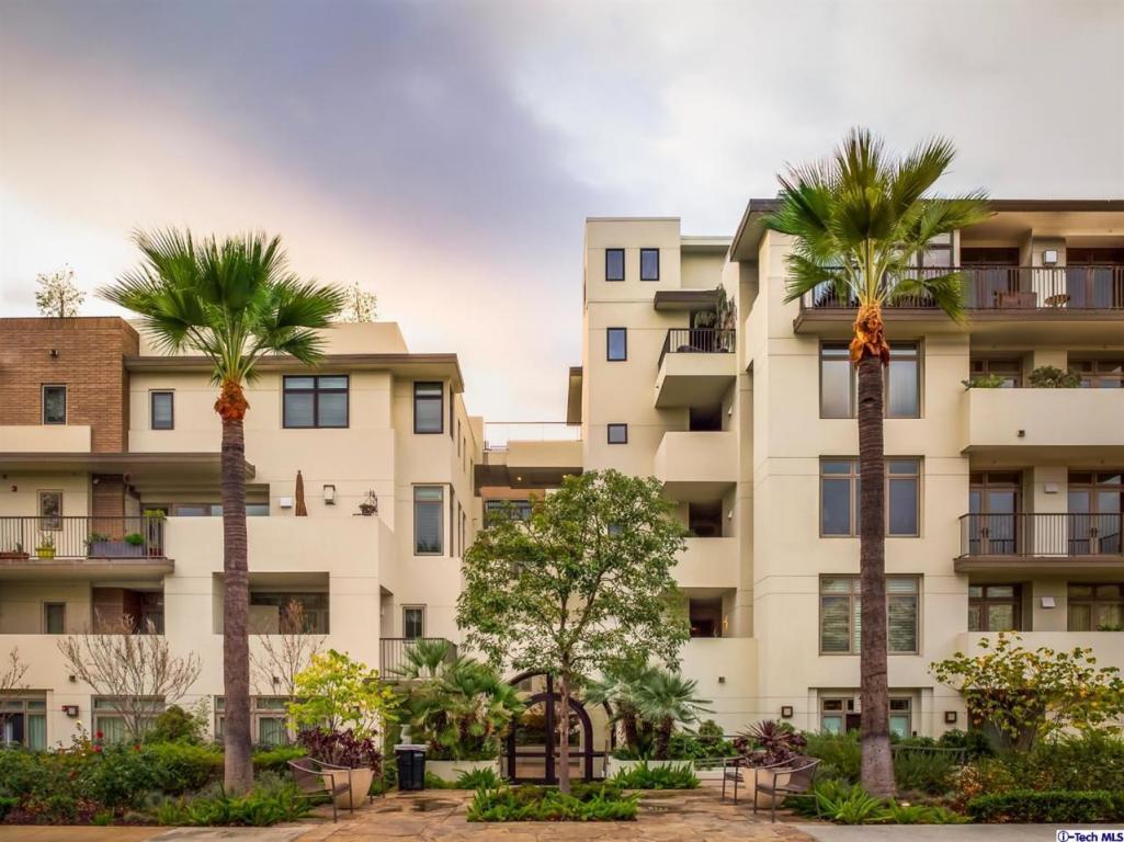 Photo of 920 Granite Drive  Pasadena  CA