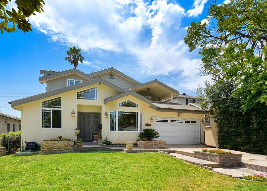 Photo of 1539 N Roosevelt Avenue  Pasadena  CA