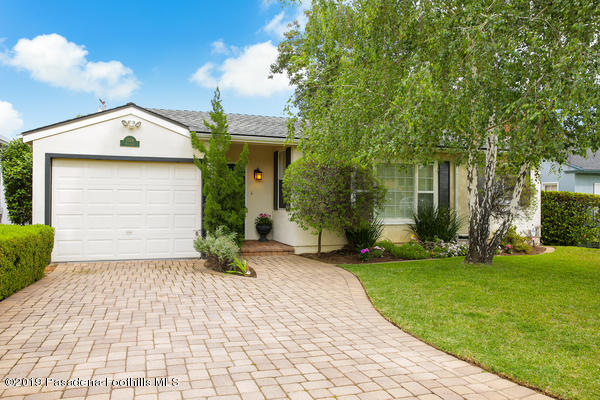 1724 N Roosevelt Avenue, Altadena, California