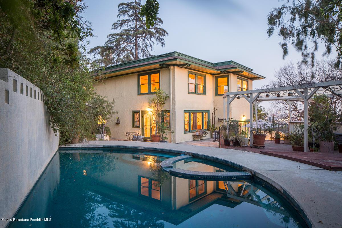 2516 Hollyridge Drive, Hollywood Hills, California