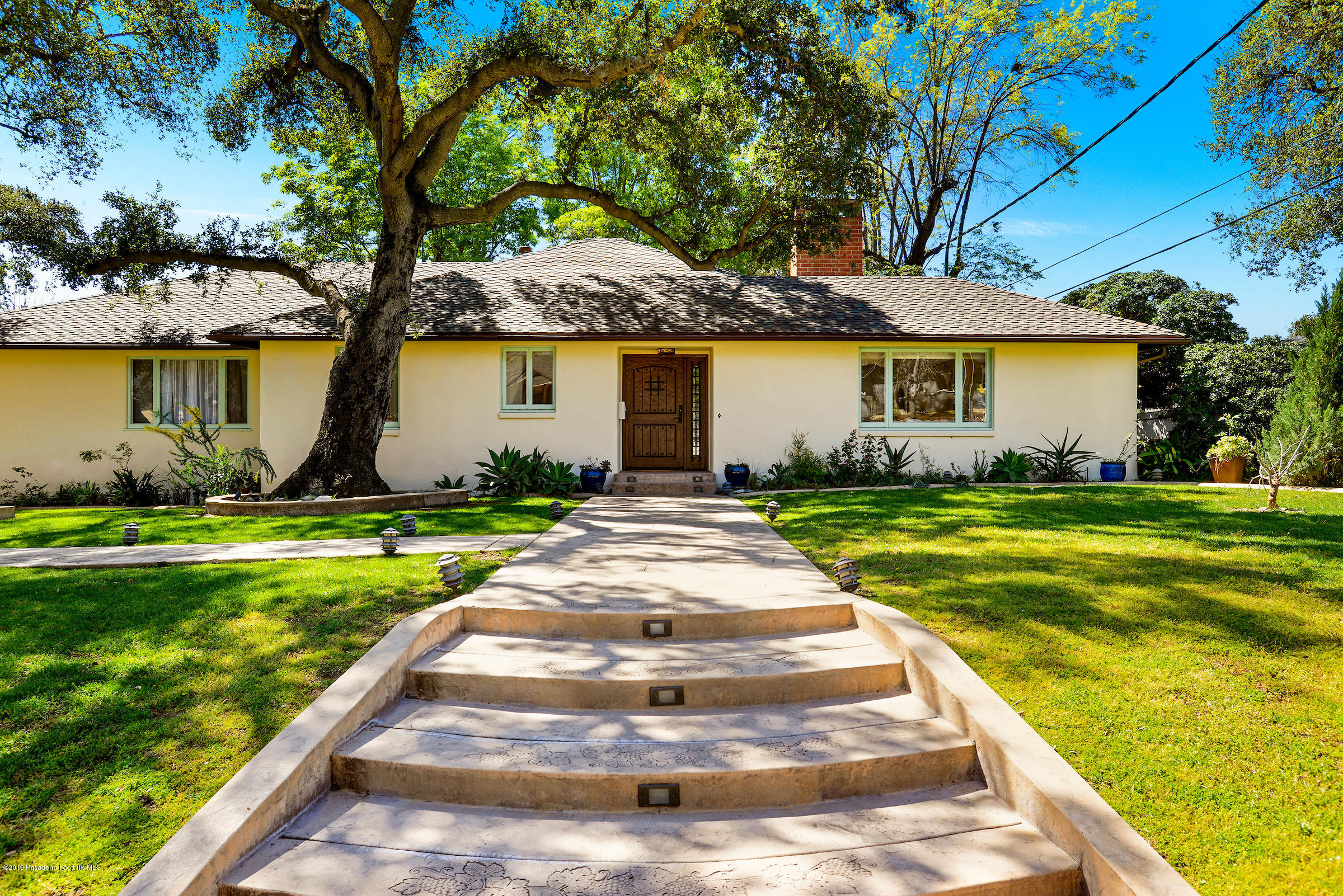 2470 Glen Canyon Road, one of homes for sale in Altadena