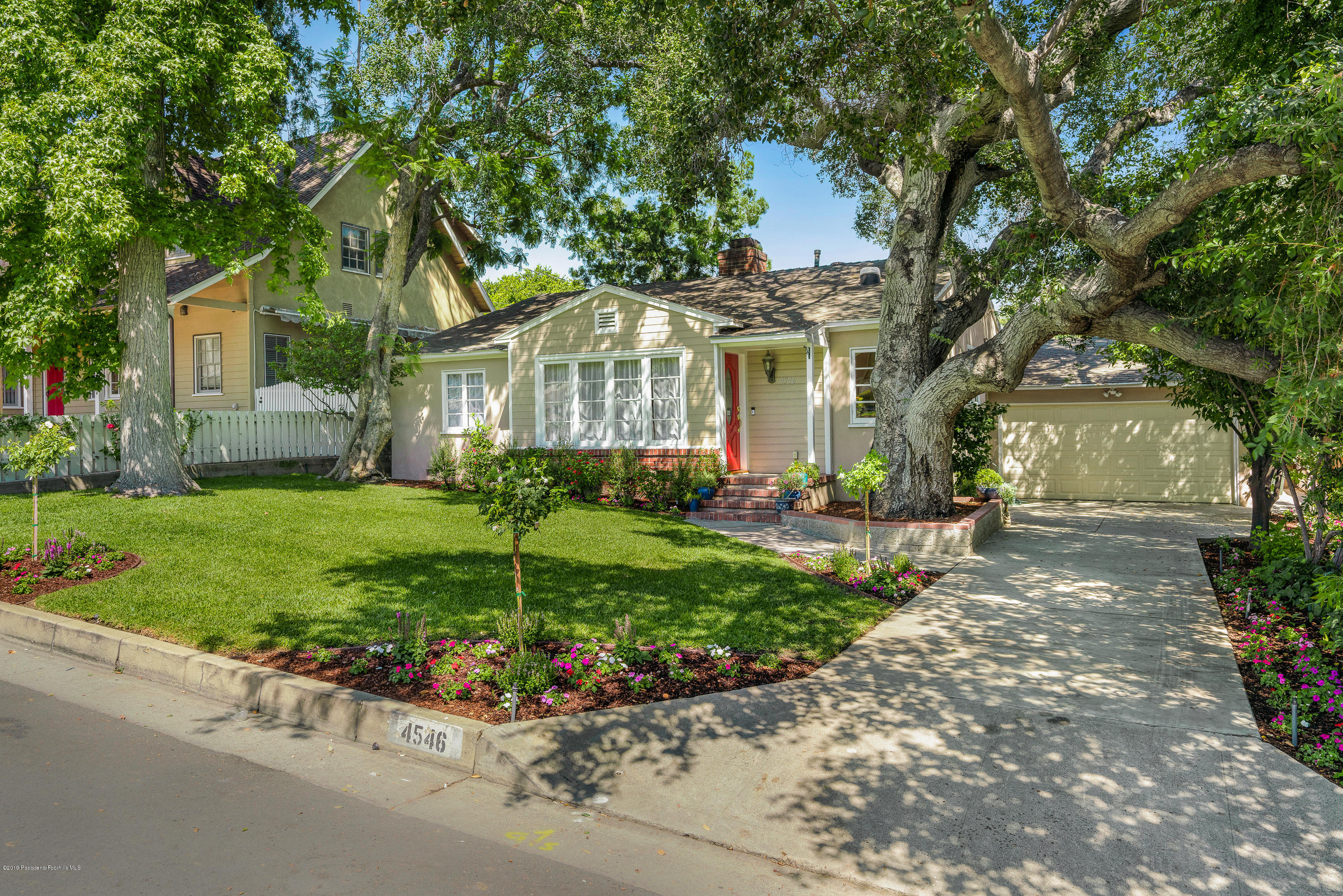 4546 Lasheart Drive, La Canada Flintridge, California